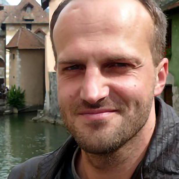 Prof. drhab. Piotr Rieske